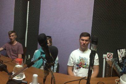 Επίσκεψη της χορωδίας νέων από την Εκκλησία της Πολωνίας στον Ραδιοφωνικό μας Σταθμό !