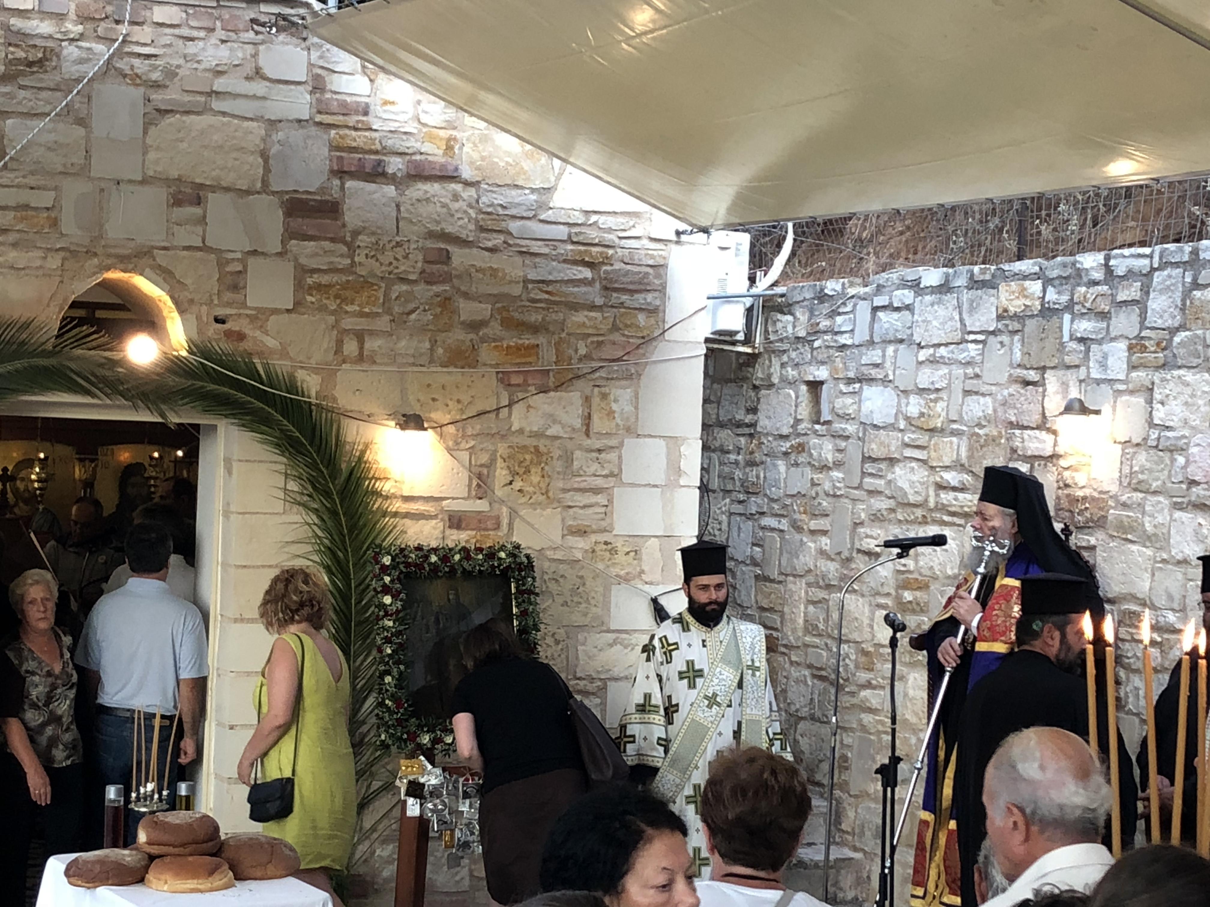 Ζωντανή σύνδεση στην Αγία Παρασκευή στο Πλατάνι Σούδας