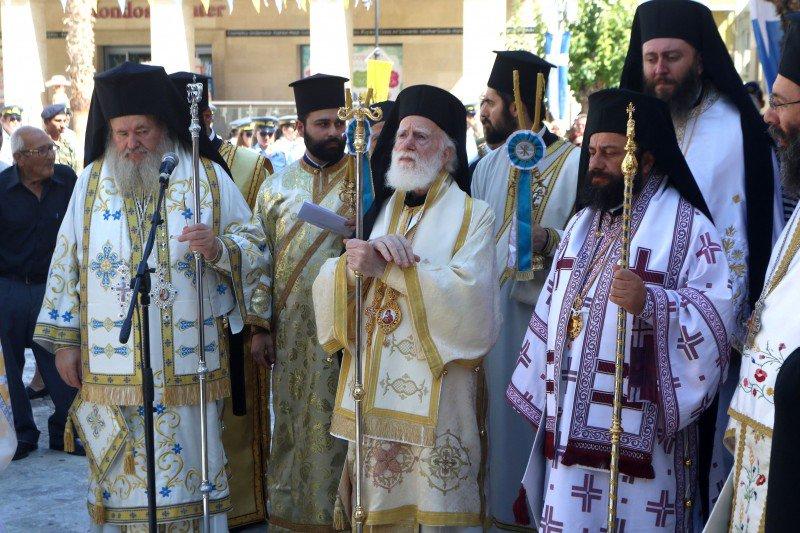 Ζωντανή σύνδεση με τον πανηγυρίζοντα Ιερό Ναό Αγίου Τίτου στο Ηράκλειο Κρήτης