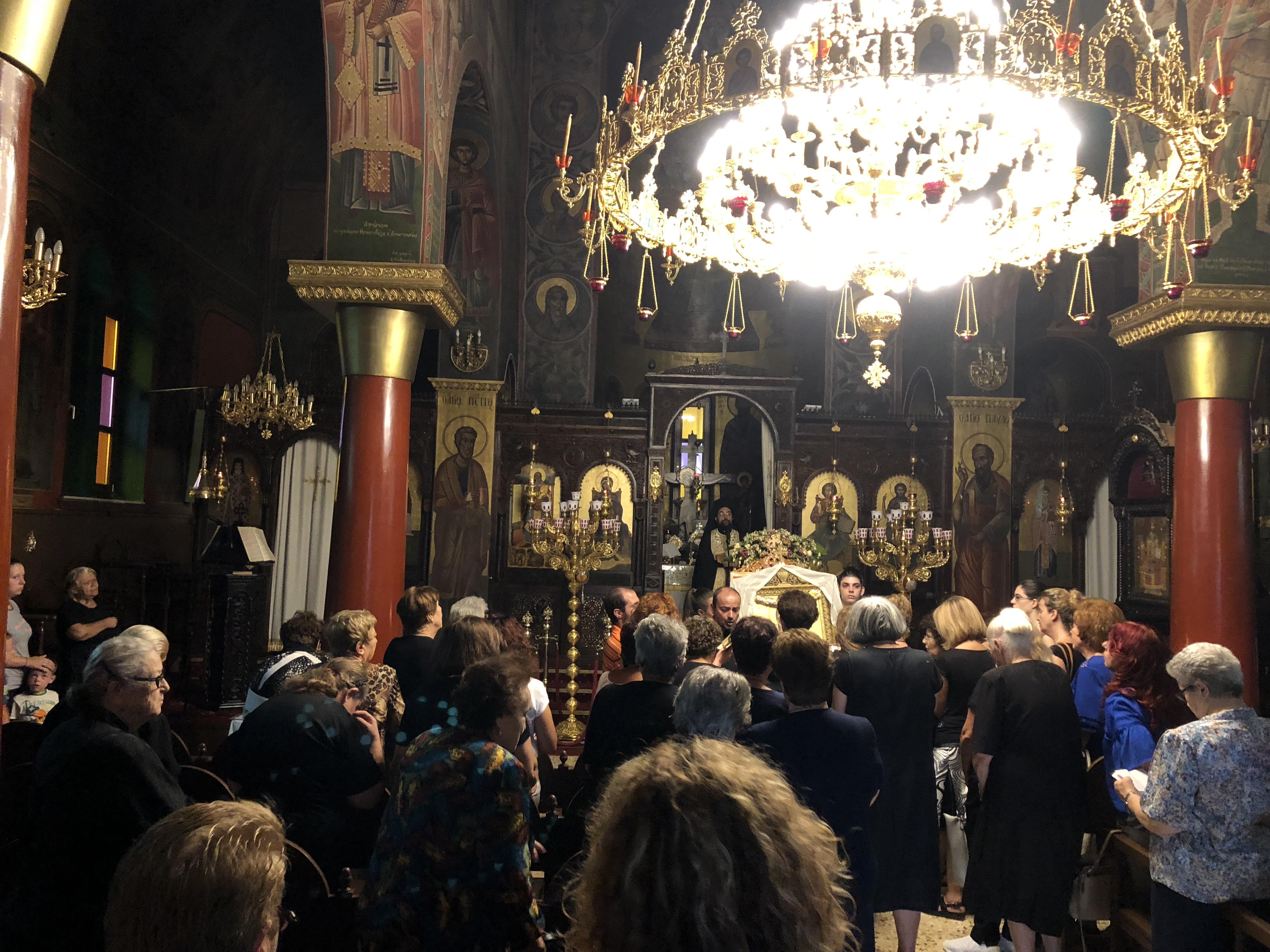 Παρακολουθούμε ζωντανά τον Εσπερινό και την Ιερά παράκληση προς την Θεοτόκο από τον Ι.Ναό Αγίου Χαραλάμπους Λενταριανών